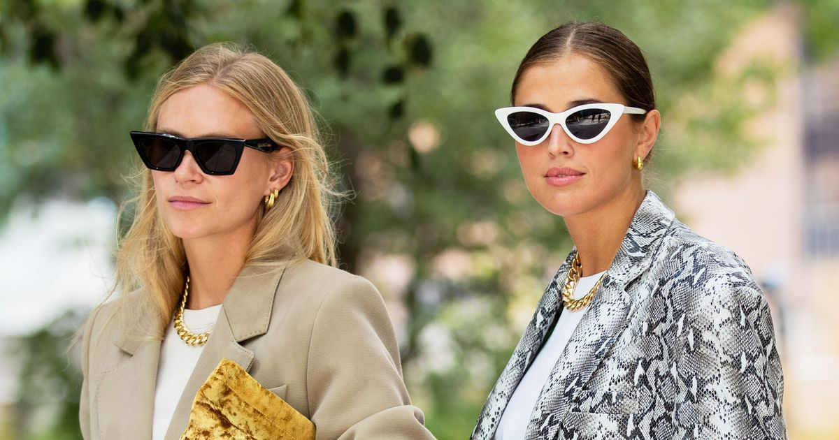 How to Wear Cat Eye Glasses for a Chic Retro Look?